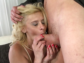 18yr old stepson caught mom masturbate and helps with fuck 9