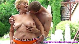 Chubby grandmas hairypussy..