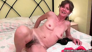 Hairy granny gets her saggy..