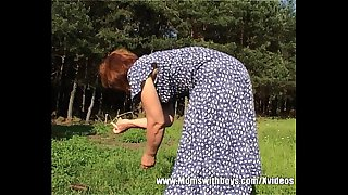Outdoor Granny Fuck With..
