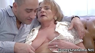Fingered grandma cum dump