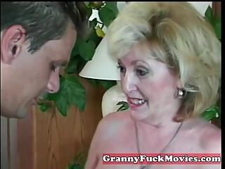 experienced Granny sucking..
