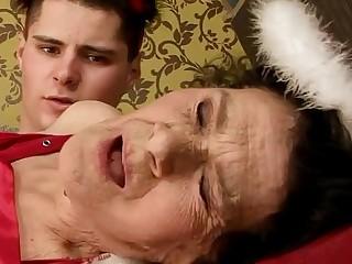 Amateur mature granny..