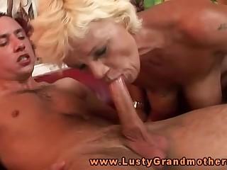 Blonde amateur granny riding..