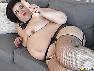 Curvy BBW Anna playing with..