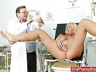 Awesome busty gramma boobies..