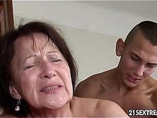Granny likes to get fucked