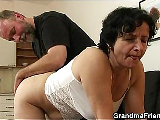 Granny gets her hairy hole..