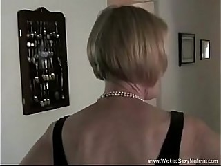Amateur Granny Exposes Her..
