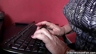 Office grannies in pantyhose..