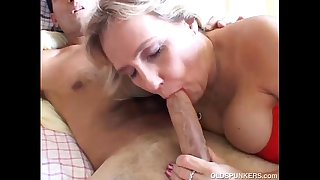 Busty mature amateur gives a..